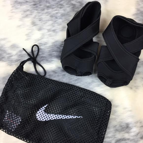 Nike Shoes Yoga Pilates Studio Wrap S Nwot Poshmark